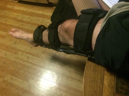 Leg Hanging Table w:Brace