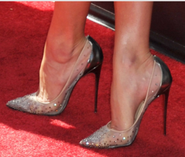 woman-high-heels-hallux-valgus